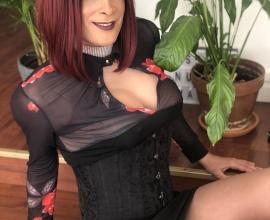 Masseuse travesti à Levallois